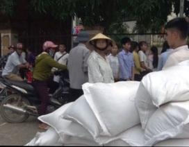 Nghệ An: Gạo cấp cho học sinh về địa phương chậm