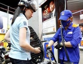 Giá xăng dầu thế giới giảm sốc, dân vẫn phải mua giá cao