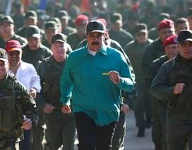 Mỹ dọa trừng phạt quân đội Venezuela nếu không rời bỏ Tổng thống Maduro