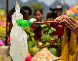 Nghi lễ tắm Phật truyền thống tại chùa Tam Chúc