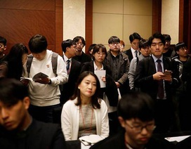 """Tỷ lệ thất nghiệp cao, thanh niên Hàn Quốc đổ xô ra nước ngoài """"săn"""" việc"""