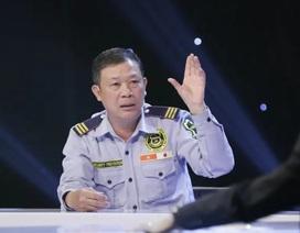 """Người bảo vệ nhặt được 6,3kg vàng """"bỏ quên"""" khiến tiến sĩ Lê Thẩm Dương thán phục"""