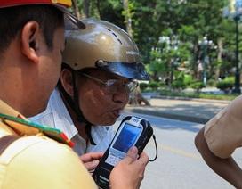 Theo chân CSGT Hà Nội xử lý tài xế vừa rời quán nhậu