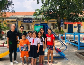 Cashwagon mang niềm vui đến các em học sinh ở Long An