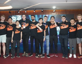 Sinh viên nước ngoài háo hức tham dự cuộc đua xe tự hành tổ chức tại Việt Nam