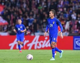 Vì trận đấu với đội tuyển Việt Nam tại King's Cup, Thái Lan liên tục phá lệ