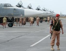 Khủng bố nã 17 tên lửa vào căn cứ không quân Nga tại Syria
