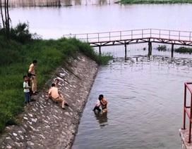 Chiến sĩ CSGT kịp thời cứu bé gái bị đuối nước