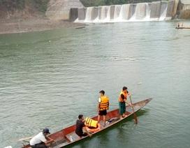 Vụ lật thuyền dưới chân đập thủy điện: Do thủy điện mở cửa xả đột ngột?