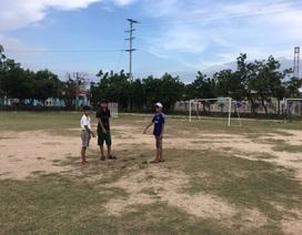 Chơi đá bóng trong mưa, 2 học sinh lớp 6 bị sét đánh thương vong
