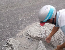 """Sợ người dân gặp nạn, 2 thợ đá đục mảng bê tông gây """"sốt"""" mạng xã hội"""