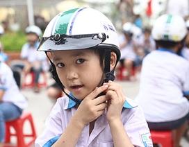 Trao tặng hơn 500 chiếc mũ bảo hiểm cho học sinh tiểu học