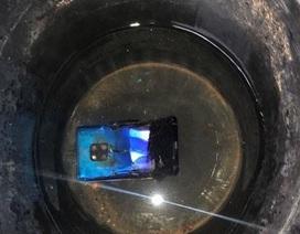 Smartphone Huawei bất ngờ phát nổ khiến cả rạp hát phải sơ tán