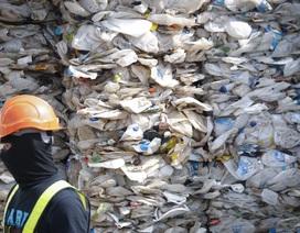 Sau Philippines, Malaysia trả lại 450 tấn rác cho hàng loạt quốc gia