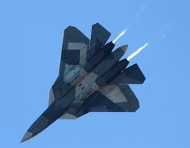 """Cận cảnh nơi Nga sản xuất hàng loạt """"bóng ma bầu trời"""" Su-57"""