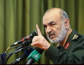 Iran tự nhận là cường quốc hùng mạnh, không e sợ tàu sân bay Mỹ