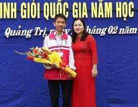 Nam sinh Quảng Trị giành Huy chương Bạc Olympic Tin học châu Á