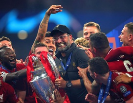 """HLV Jurgen Klopp """"nổ tưng bừng"""" sau khi vô địch Champions League"""