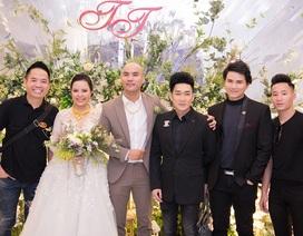 Đông đảo sao Việt chúc mừng đám cưới nhạc sĩ A Tuân