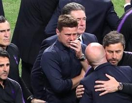 """Gục ngã trước """"thiên đường"""", HLV Pochettino khóc rưng rức"""
