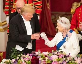 Nữ hoàng Anh mở quốc yến chiêu đãi Tổng thống Trump