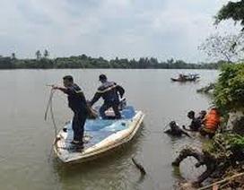Trượt chân rơi xuống sông, một phụ nữ tử vong