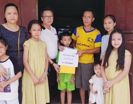 Bạn đọc giúp đỡ hơn 63 triệu đồng hai bố con tàn tật bị vợ bỏ rơi