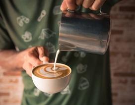 Uống 25 cốc cà phê mỗi ngày… vẫn an toàn cho sức khỏe tim mạch