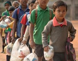 Trường học ở Ấn Độ nhận rác thải nhựa thay cho học phí
