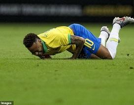 Neymar bật khóc sau khi lỡ hẹn với Copa America 2019