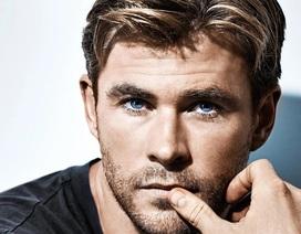 Sau khi bối rối vì... quá giàu, tài tử Chris Hemsworth dành cả một năm ở bên vợ con