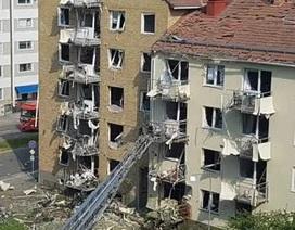 """Khu chung cư Thụy Điển như """"bãi chiến trường"""" sau vụ nổ rung chuyển"""