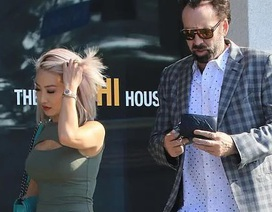Nicolas Cage đi mua sắm với vợ ba sau khi chia tay vợ tư