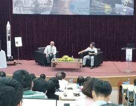 """Nguyên Tổng giám đốc NASA nói về """"hành trình thám hiểm của nhân loại"""" với giới trẻ Việt"""