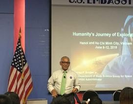 Phi hành gia Mỹ 4 lần bay vào không gian hy vọng NASA mở rộng hợp tác vũ trụ với Việt Nam