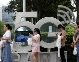 """Mỹ tấn công """"đầu rồng"""" Huawei, thủ phủ công nghệ Trung Quốc điêu đứng"""