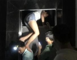 Hà Nội: Giải cứu nhiều người mắc kẹt trong thang máy khi chung cư mất điện