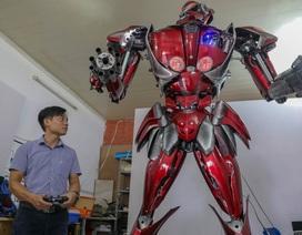 """Nhóm thanh niên Hà Nội làm robot """"như trong phim"""" từ phế liệu"""