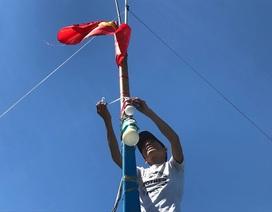 """Những """"cư dân Hoàng Sa"""" hiên ngang vươn khơi cùng lá cờ Tổ quốc"""