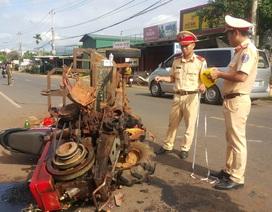 Xe máy cày gãy trục lao vào xe máy, 10 người bị thương