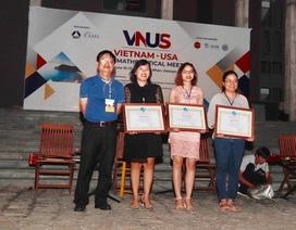 Ba nhà toán học nữ trẻ được khen thưởng tại hội nghị Toán học Việt – Mỹ