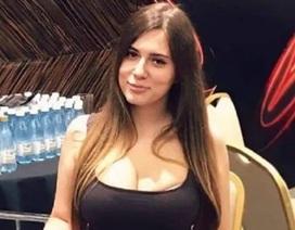 Sấy tóc trong nhà tắm, kiều nữ làng bài poker Nga bị điện giật chết