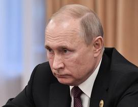 """Ông Putin nói hai """"Anh hùng Nga"""" thiệt mạng trong vụ cháy tàu lặn hải quân"""