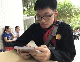 Cậu học trò dân tộc Nùng bị ung thư máu xem bệnh tật là một phần cuộc sống
