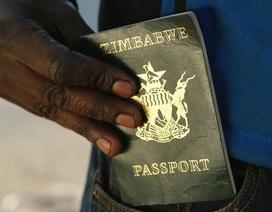 Khủng hoảng kinh tế trầm trọng, Zimbabwe không có nổi giấy, mực để in hộ chiếu cho dân