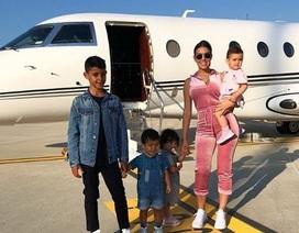 Ronaldo và bạn gái trở về sau kỳ nghỉ tại Hi Lạp