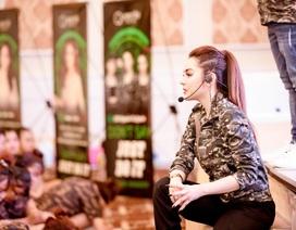 Queenie Skin gây ấn tượng với buổi đào tạo đặc biệt hơn 1.000 thành viên