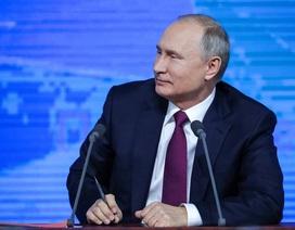 Những khoảnh khắc hài hước của ông Putin khi đối thoại 4 giờ với người Nga
