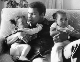 3 bài học mà huyền thoại quyền anh Muhammad Ali đã dạy con gái về thành công và tiền bạc