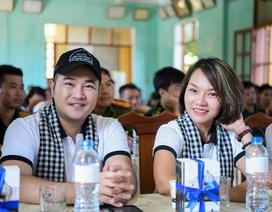 Minh Quân hát sung, Thái Thùy Linh thân thiện với chiến sĩ